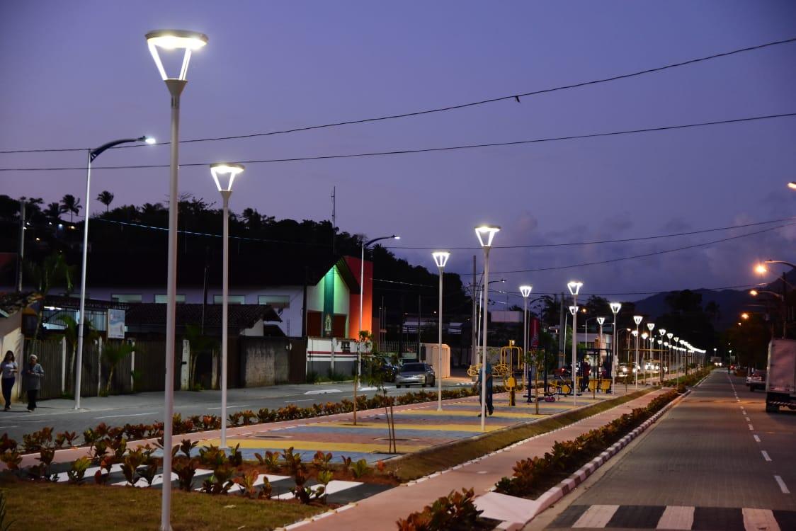 Revitalização da avenida Professor Malaquias é entregue na Barra Velha
