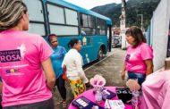 Grupo de Apoio a Pessoas com Câncer atende moradores de São Sebastião em ônibus consultório