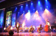 'Os Sonhos Não Envelhecem' emociona público e lota Teatro Mario Covas