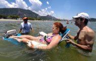 Idosos e Pessoas com Deficiência podem curtir banho de mar em dois locais, neste final de semana (17 a 20/01)