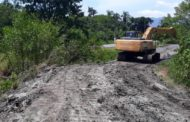 Prefeitura continua limpeza e desassoreamento de vala no Jardim Itaúna e no rio Lagoa