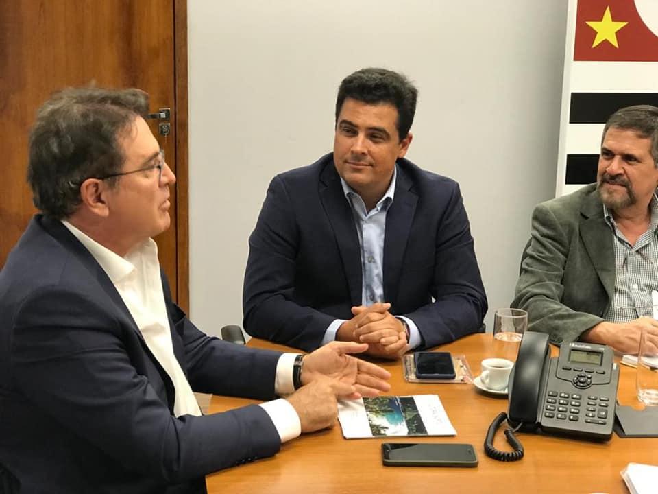Prefeito Felipe Augusto aproxima Consórcio Turístico com Governo do Estado para promoção do Litoral Norte na Europa