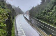 Trecho de Serra da Rodovia dos Tamoios segue bloqueado na manhã desta quarta